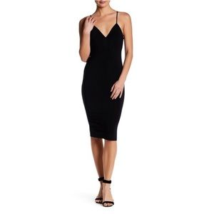 SOCIALITE • little black dress sexy and classy